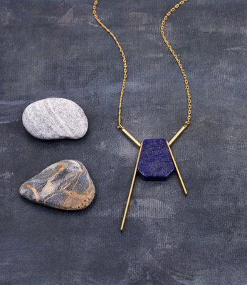 Sautoir géométrique pendentif lapis lazuli