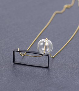 Sautoir rectangle et bulle de verre